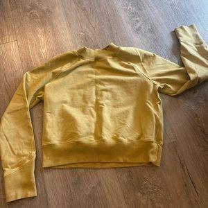 Lululemon sweatshirt cropped
